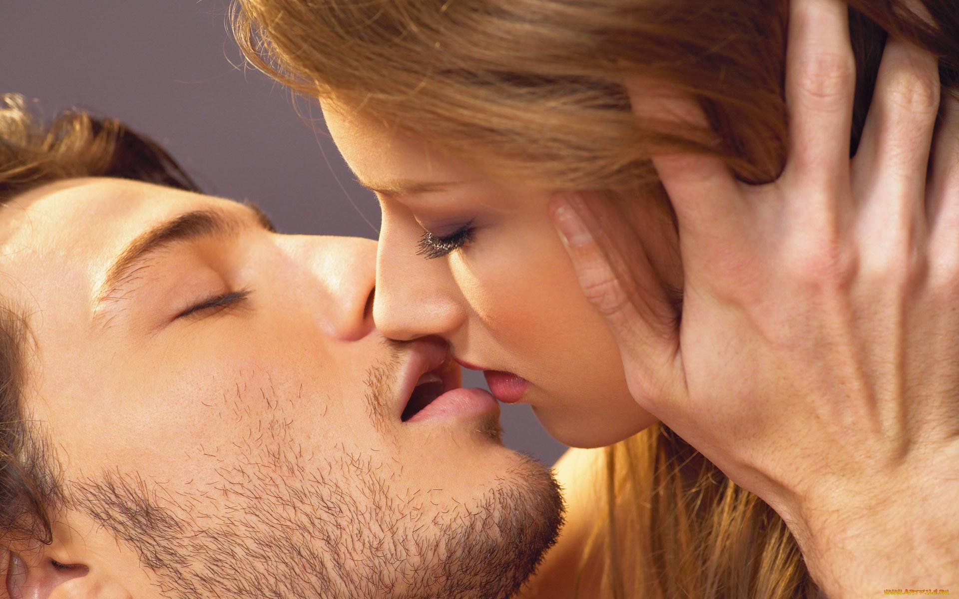 Картинки поцелуй мужчины и женщины